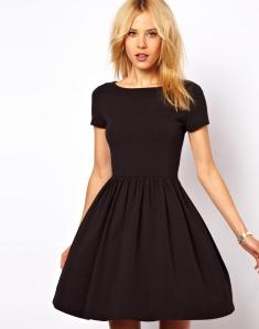 Skater Dress With Slash Neck And Short Sleeves.